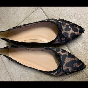 EUC J. Crew satin leopard pointed toe flats 9